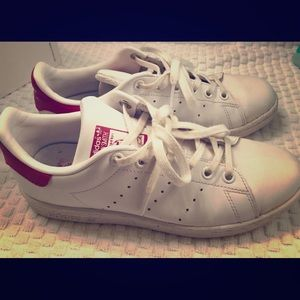 Adidas Stan Smith hot pink tennis shoes